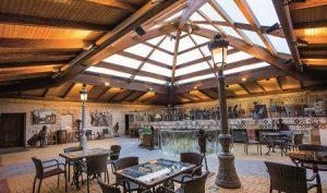 Cafetería de invierno situada en el patio interior de la antigua casa del indiano