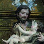 El 'San José con el niño', de Luis Salvador Carmona, puede contemplarse en el santuario del Carmen Extramuros.