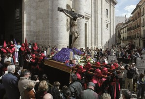 Tradición, arte y fervor en la Semana Santa de Castilla y León. Procesión en Valladolid