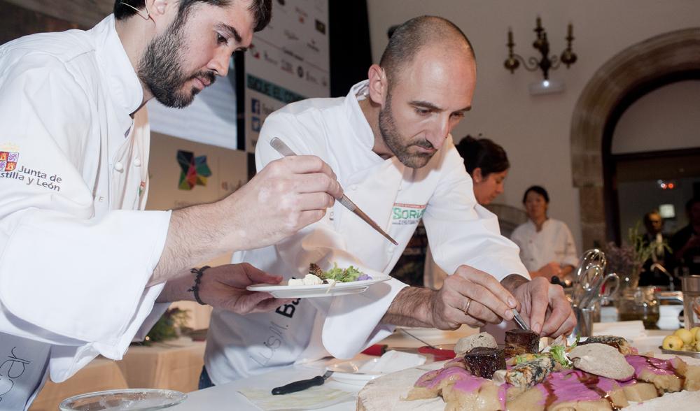 iv-congreso-de-micologia-soria-gastronomica_oscar-garcia_luis-miguel-bartolome_foto_miguel-angel-munoz-romero_rvedipress_003