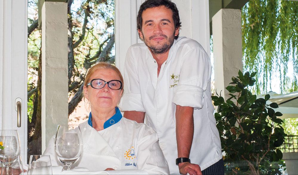 Los cocineros Alfonso Fierro y Pilar Pedrosa, dos generaciones que han marcado la trayectoria del establecimiento.