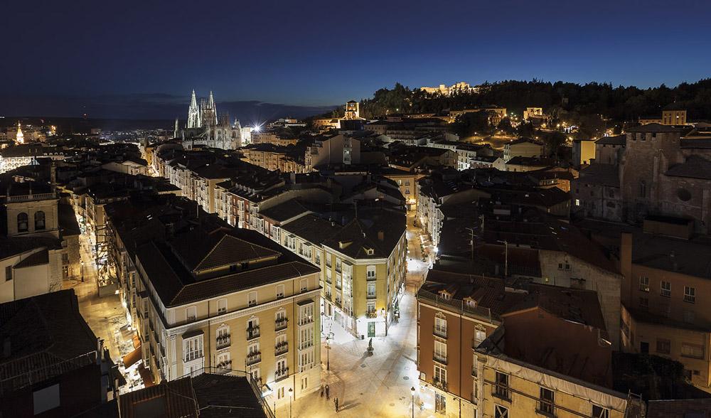 Burgos, casco antiguo, catedral y castillo, firma Santiago Escribano