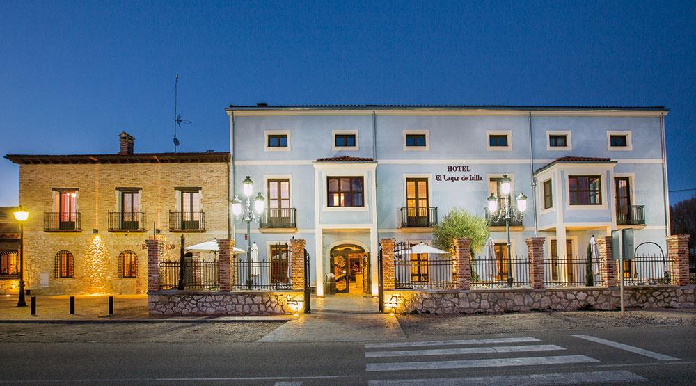 Bodega, hotel y restaurante en el complejo de La Vid.