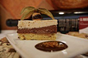 Restaurante-El-Ruedo-Sahagun-Tarta-Bizcocho-almendras